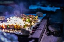 Bếp nướng tại Bivouac de Gaud