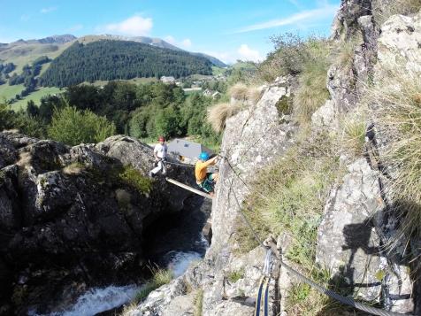 Cầu gỗ parcours Via Ferrata Alpe du Grand Serre
